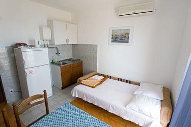 chorwacja apartamenty przy morzu split z basenem iława